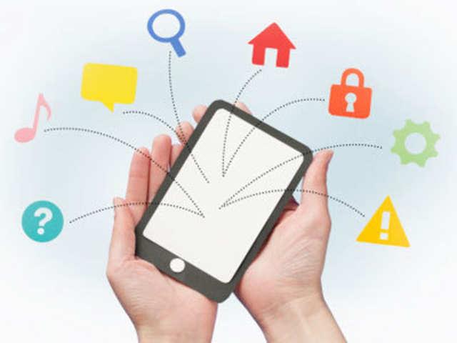 1eb3cf8dc Smartphone sales in India surge almost 3-fold in 2013  Samsung still market  leader