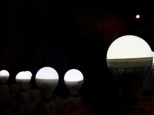 21 Crore Led Bulbs Distributed To Save Rs 11000 Crore Pm Narendra - The-martyr-lamp-an-energy-saver-project