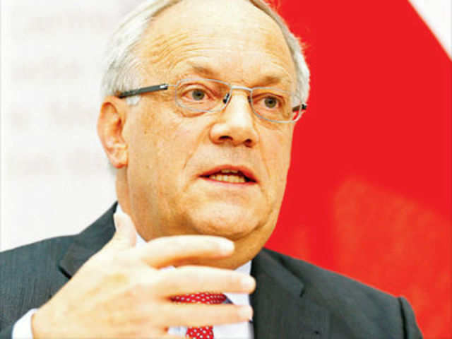 Swiss voters reject strictest executive pay limits - The Economic Times
