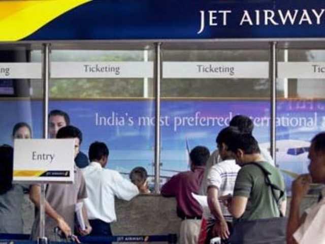 1100 jet airways pilot to go on strike