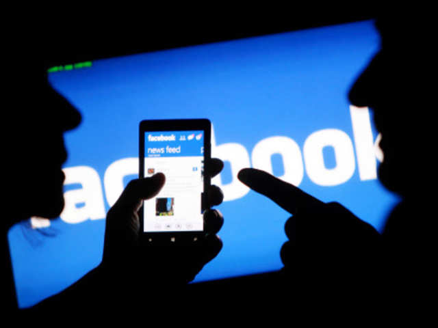 Facebook can make 'moving on' difficult after breakup - The Economic