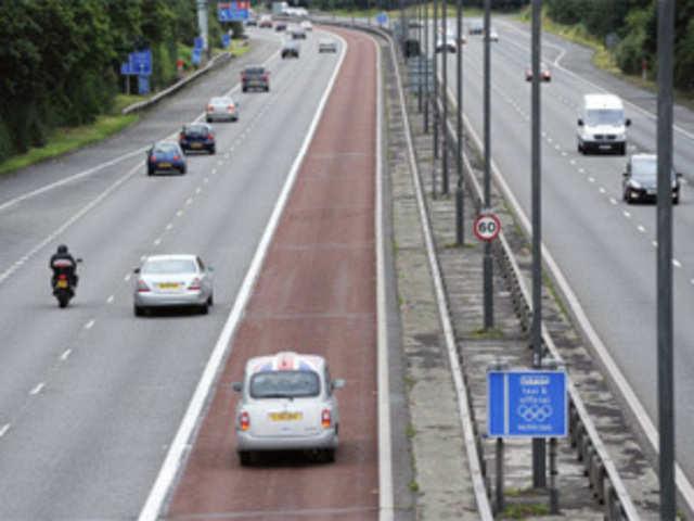 London: Uneasy traffic in London as Olympians arrive - The