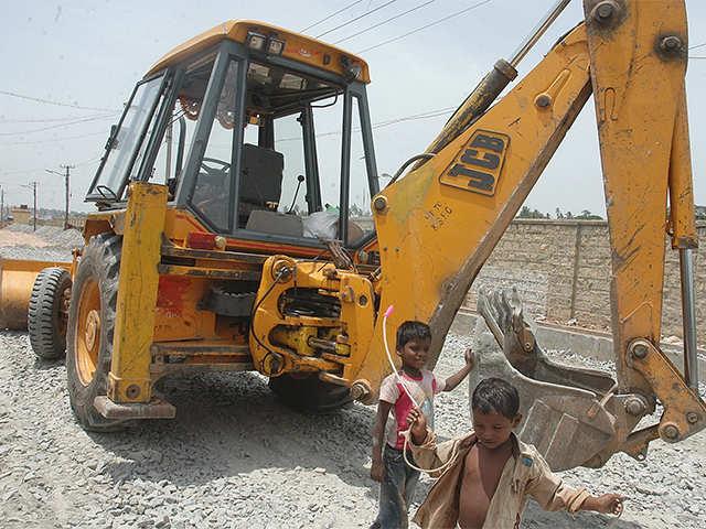 JCB India: JCB India eyes 20% growth in sales revenue in