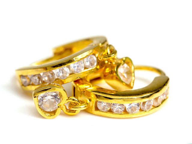 Tax Queries Is Jewellery Received As Gift Taxable The Economic Times