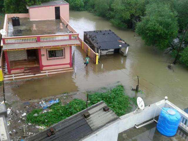 andhra sends cyclone relief and shelter support items to orissa hit with cyclone fani
