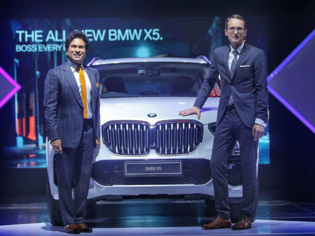 Sachin launches the all new BMW x5 in India-tnilive-telugu news international latest business telugu news - global nri nrt news india - సరికొత్త ఎక్స్5 ఆవిష్కరించిన సచిన్