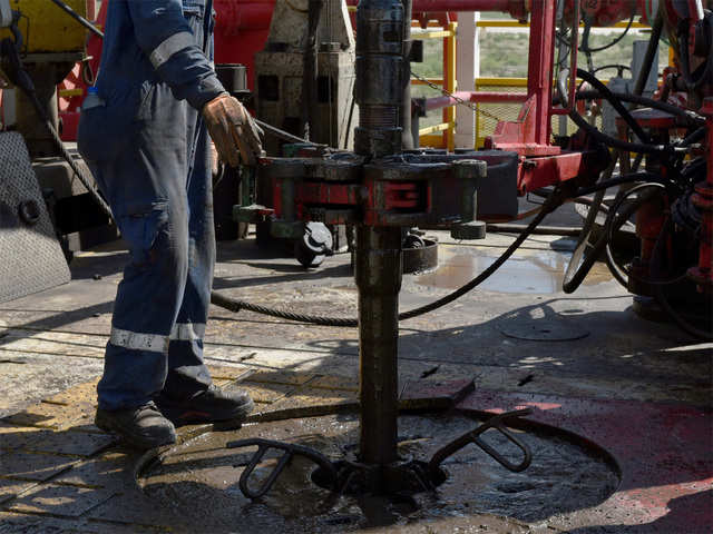 Oil prices rise 1% amid OPEC supply cuts, US sanctions on Venezuela