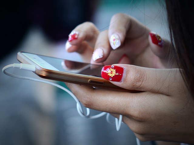 Mobile phone firms slash prices up to 62% on Flipkart for festive season
