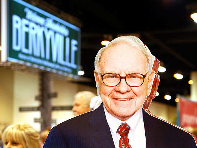 Man wins charity dinner with Warren Buffet for 31Crore INR