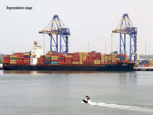 First direct container vessel from India arrives in Qatar