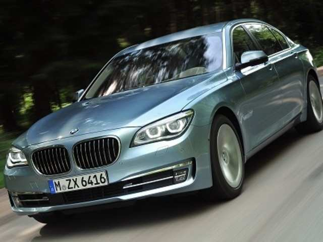Bmw Launches Activehybrid 7 At Rs 1 35 Crore