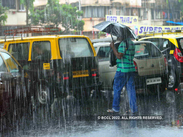 Mumbai rains: Heavy rains disrupt air services in Mumbai - The