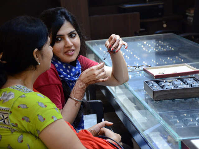 0a310b49ac4 Out shopping for Diwali  Save yourself from these 15 retail tricks ...