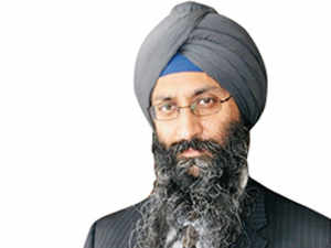 We're not competing with an Apple iPad: Suneet Singh Tuli, CEO of UK-based Datawind