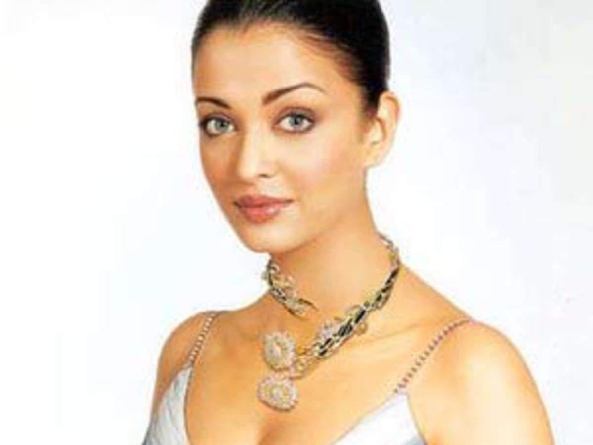 Aishwarya Rai Videos: Watch Aishwarya Rai News Video