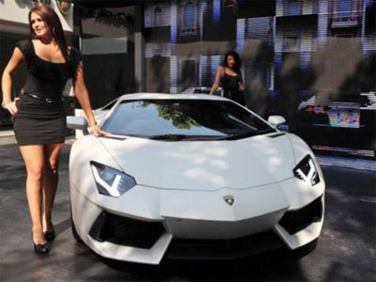 Automobili Lamborghini Spa Drives In Aventador With Rs 3 69 Cr Price
