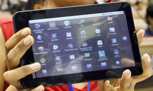 World's cheapest tablet 'Aakash' receives 3 lakh pre-launch bookings