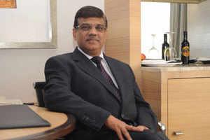 Sunil Dutt, MD, RIM India