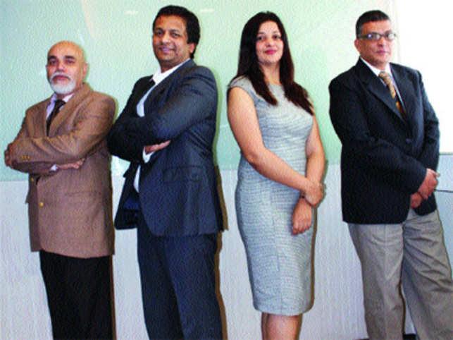 L- R: Girish Khare, CMO; Javed Akkhtar, Founder & CEO; Heena J.A, Founder & COO; Sajid A R, Director; RewardPort