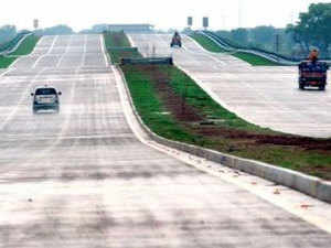 The six lane access controlled expressway from Greater Noida to Agra which was conceived in 2002 was thrown open via a video link by Akhilesh Yadav.