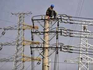 A Power Grid Corp official said there is shortfall of around 3,000 MW supply to the Northern Grid due to non generation by the three hydro projects.