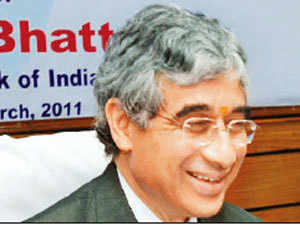 Although Irda chairman J Hari Narayan is due to retire in February, the government is keen to start the succession process early.