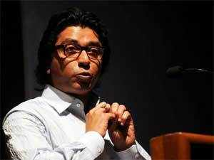 A Delhi court today asked police to lodge an FIR against Raj Thackeray for allegedly branding Bihar natives as infiltrators in Mumbai.