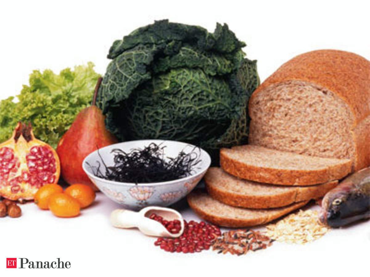 describe the characteristics of the macrobiotic diet?