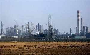ONGC & GAIL India have evinced interest in picking up stake in the Rs 5K-cr Kochi petrochemical project that BPCL is building in JV with LG Chemicals