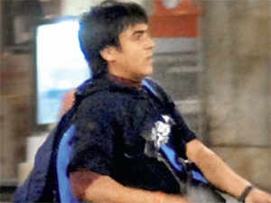 The home ministry took just two weeks to process the case of Kasab after it received a communique from the Maharashtra government containing an advice from the Maharashtra governor that Kasab's mercy petition be rejected.
