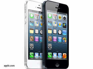 Even as Apple iPhone 5 launch in India has been delayed by a week to November 2, the company on Friday started billing in Indian rupee on the App Store.