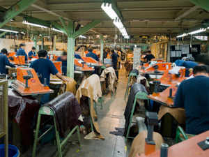 The US has accused India of wrongfully giving fresh export subsidies to its textile industry instead of phasing them out as mandated by the World Trade Organisation