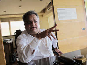 I advise people that they must put some part of their wealth into equities, but very few listen to me, says Rakesh Jhunjhunwala.