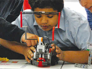 Gurgaon Kids Learning How To Make Robots And Creating Business For