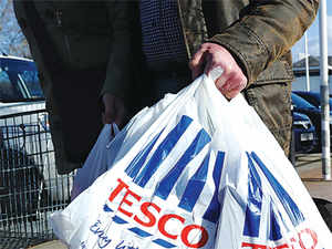 Tesco's Chief Executive, Philip Clarke, made a hush-hush visit over the weekend and met Ratan Tata and other Tata officials to set the ball rolling on the retailer's India plans.
