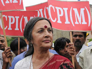 CPI(M) Politburo member Brinda Karat has praised Tamil Nadu Chief Minister and AIADMK leader Jayalalithaa for her consistent opposition to FDI in retail.