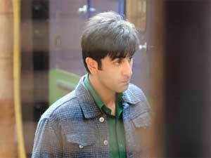 Ranbir Kapoor-Priyanka Chopra starrer 'Barfi!' is out of Oscar race after it failed to qualify for the next voting round in the best foreign film category, according to the Academy.