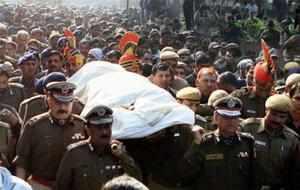 Delhi rape case: Amitabh Bachchan donates Rs 2.5 cash award to Delhi constable Subash Tomar