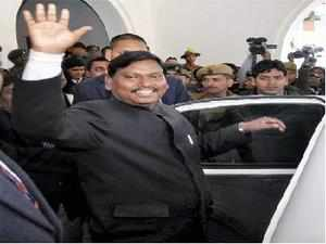 JMM and Congress held parleys to find an alternative in Jharkhand after the exit of the Munda government.