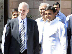 Members of an American delegation, Ron Somers and USIBC Council Chairman Ajay Banga met chief minister Akhilesh Yadav. TOI