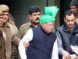 In pic: Former Haryana Chief Minister Om Prakash Chautala being taken to jail after being produced at a Rohini Court on January 16, in connection with recruiting more than 3,000 primary school teachers illegally. (BCCL)