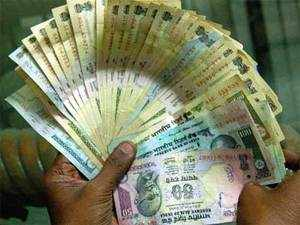 State Bank of India chairman Pratip Chaudhuri said the benefits of lower rates will be passed on to borrowers, adding that the deposit rates may not be lowered immediately.