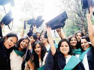 The government and the IIMs held detailed discussion on Friday to fine-tune the proposed law about the country's premier publiclyfunded business schools, which had evoked strong reactions from the institutes and its alumni.