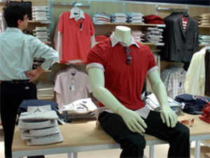 Premium menswear brand Peter England plans to expand its pan-India footprint by opening 100 more outlets by March 2014.
