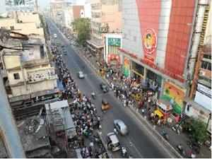 This 6 km-long stretch has been the heart of shopping not only for Tamil Nadu, but also the whole of South India.