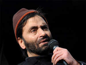 """Participating in funeral prayers for Afzal held in absentia by pro-Kashmir groups in Islamabad on Sunday, Malik called his hanging a """"blot on Indian democracy""""."""