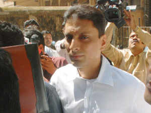 The CBI today summoned 2G scam accused Shahid Balwa for questioning with regards to audio recordings of purported conversation between its prosecutor A K Singh and another accused Unitech Managing Director Sanjay Chandra on the case.