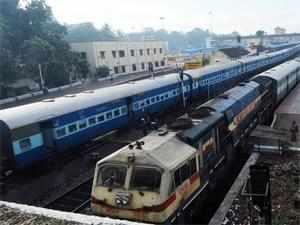 Rail Budget 2013: Karnataka urges Railway Ministry to sanction 11 new projects