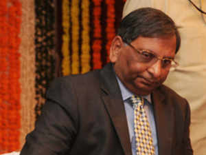 Govt extends term of RBI Deputy Governor Anand Sinha, who played key role in formulation of guidelines for new bank licences, by 11 months.