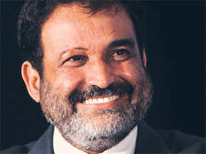 Mohandas Pai and former Citibank executive Ramesh Ramanathan will be part of the business groups throwing their hats in the ring for a licence to start a bank.